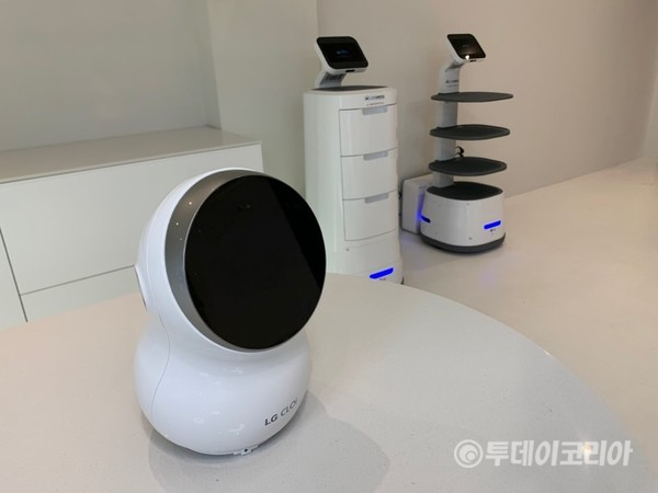 ▲ 쇼룸에 전시된 로봇들. 사진=한지은 기자